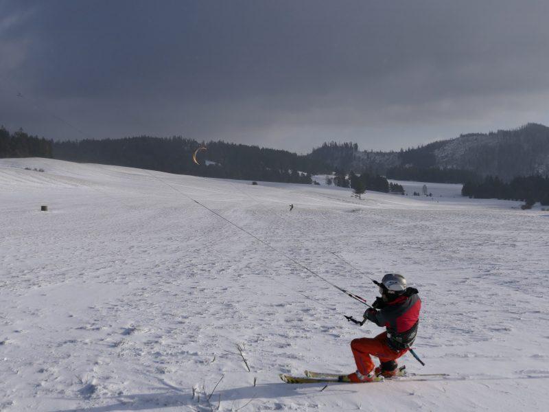 Snowkiting -min
